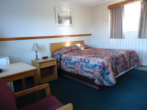 Kingsway Inn - Thunder Bay, ON P7E 2A6