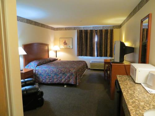 Toppenish Inn And Suites - Toppenish, WA 98946