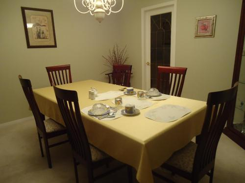 Swisshouse Bed & Breakfast - Penticton, BC V2A 7Y9