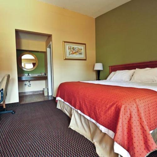 Relax Inn Guin - Guin, AL 35563