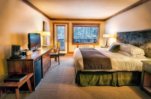 Elk Ridge Resort - Waskesiu Lake, SK S0J 2Y0