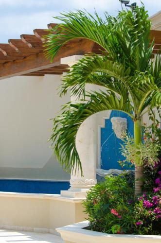 The Landmark Resort of Cozumel Photo