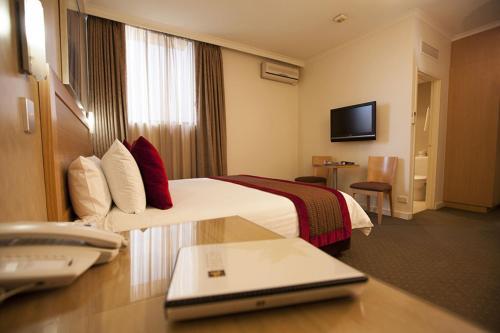 Best Western Plus Travel Inn Hotel