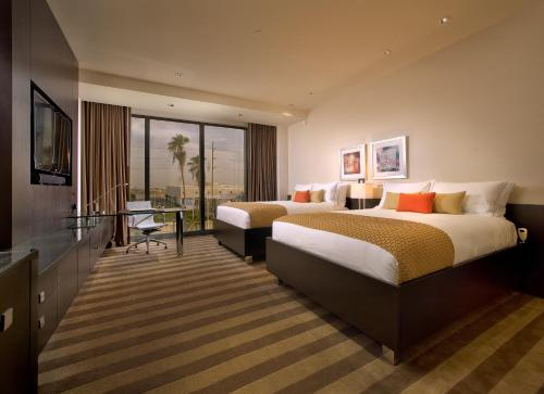 EB Hotel Miami Airport Photo