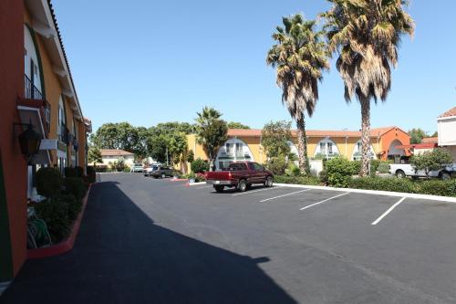 Granada Inn photo 15