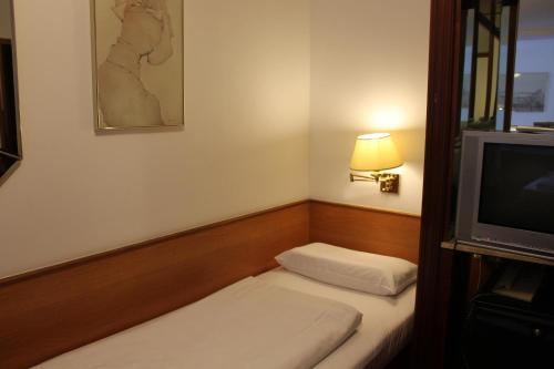 Hotel Montree photo 2