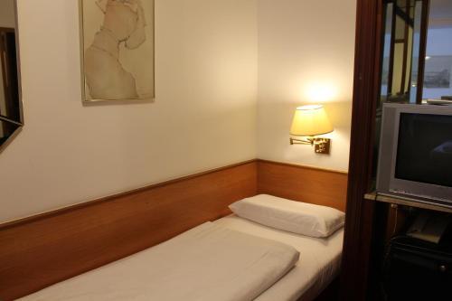 Hotel Montree photo 13