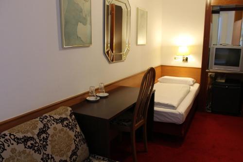 Hotel Montree photo 6