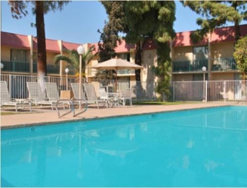 Vacation Inn Phoenix - Phoenix, AZ 85015