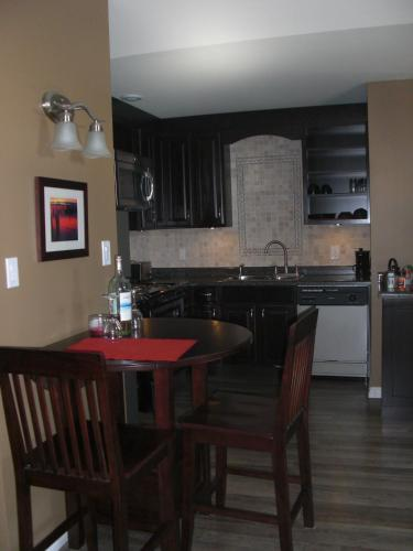 Seasons Extended Stay Suites - Thunder Bay, ON P7G 1H8