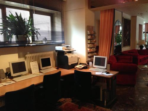 Hotel Montree photo 8