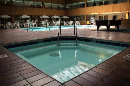 Woodfield Inn And Suites Hotel Marshfield