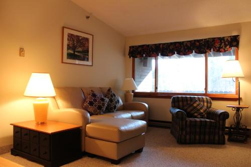 Slopeside Rentals - Newry, ME 04261