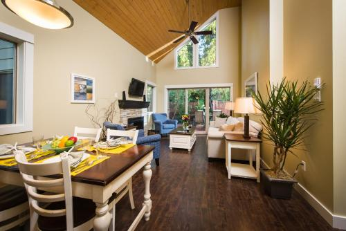 Oceanside Village Resort - Parksville, BC V9P 2E3