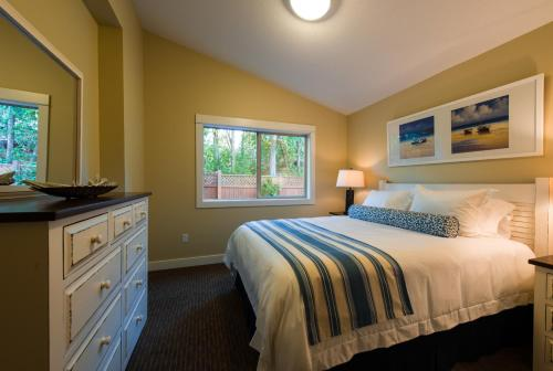 Oceanside Village Resort - Parksville, BC V9P 2E3