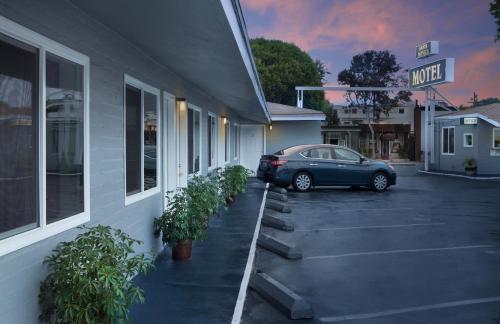 Santa Monica Motel Photo