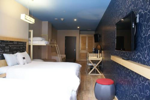 TRYP by Wyndham Times Square South photo 22