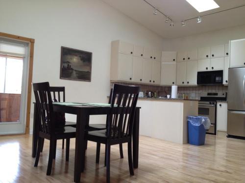 City Centre Guesthouse - Regina, SK S4P 2M7