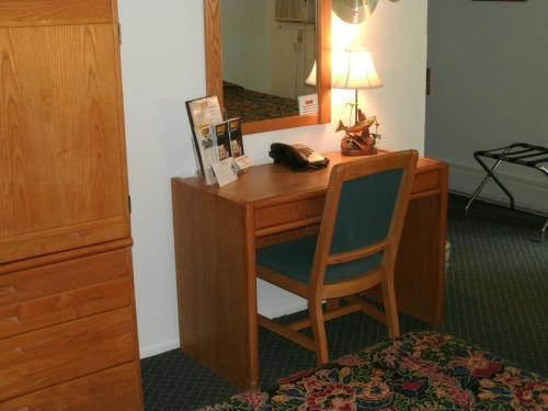 Budget Host Inn Photo