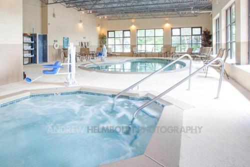 Baymont Inn & Suites - Battle Creek Photo