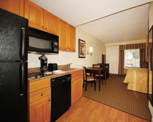 MainStay Suites Knoxville Photo