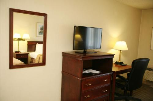 Quality Inn & Suites Everett/Seattle Photo