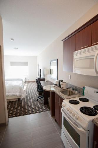 Western Star Inn & Suites Stoughton Photo