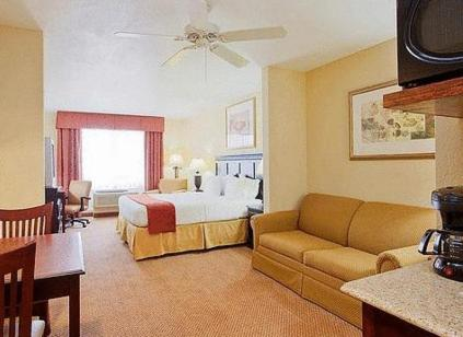 Holiday Inn Express Hotel & Suites Lucedale - Lucedale, MS 39452