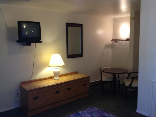 Budget Inn Photo
