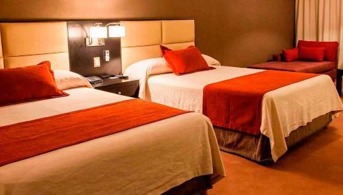 Howard Johnson Hotel & Casino Photo