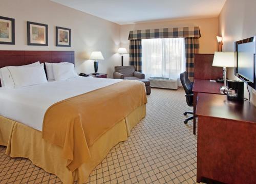 Holiday Inn Express & Suites Wichita Airport - Wichita, KS 67209