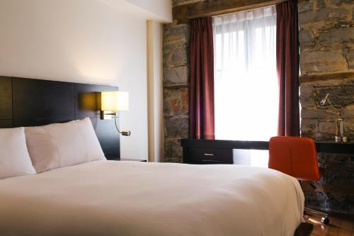 Le Petit Hotel Montreal Photo