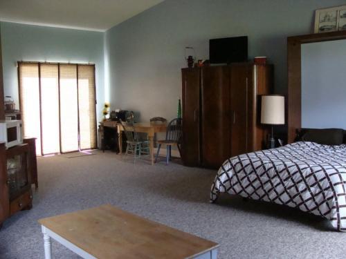 Knotty Pines Bed & Breakfast - Houston, BC V0J 1Z2