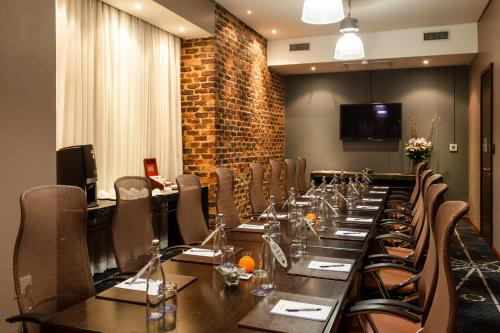 Protea Hotel by Marriott O R Tambo Airport Photo