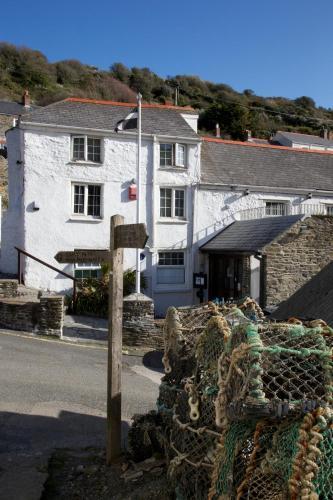 Portloe, Cornwall, England, United Kingdom, TR2 5RD.
