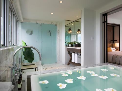 Hotel Victor - Miami Beach, FL 33139