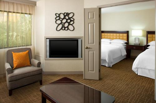 Sheraton Suites Orlando Airport Hotel photo 5