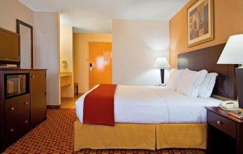 Holiday Inn Express Oswego - Oswego, IL 60543
