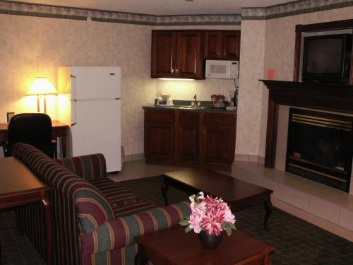 Quality Inn Indianapolis-Brownsburg/I-74 West Photo