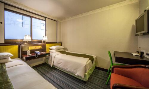 Evergreen Hotel photo 50