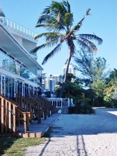 Prime Beach Apartments - Miami Beach, FL 33140