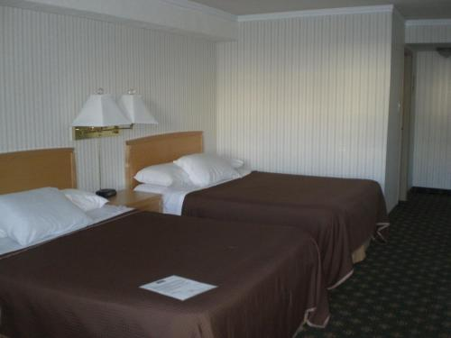 Howard Johnson Express Inn Photo