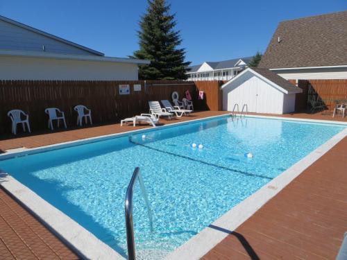 Bridgeview Motel - Carp Lake, MI 49701