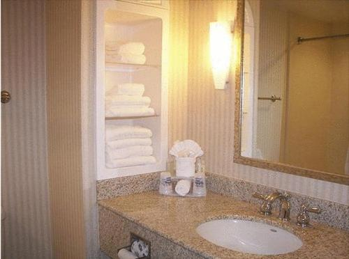 Holiday Inn Express Hotel & Suites Drums-hazelton - Drums, PA 18222