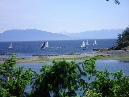 Hammond Bay Oceanside B&b - Nanaimo, BC V9T 1G3