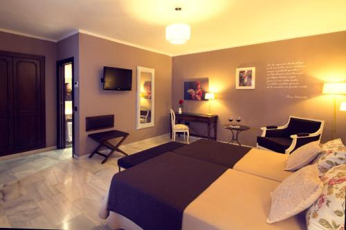 Classic Double or Twin Room Hotel La Fonda 26