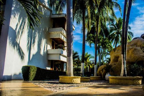 Ixtapa Palace Photo