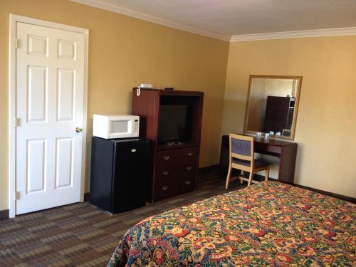 Budget Inn Mount Pleasant - Mount Pleasant, TX 75455