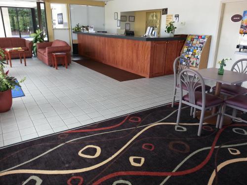 Americas Best Value Inn Douglasville Photo