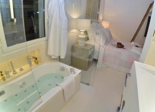 Habitación Doble Confort con bañera Boutique Hotel Spa Calma Blanca 10